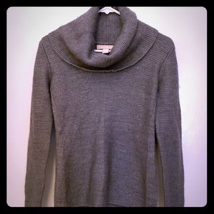 Banana Republic grey scoop neck sweater